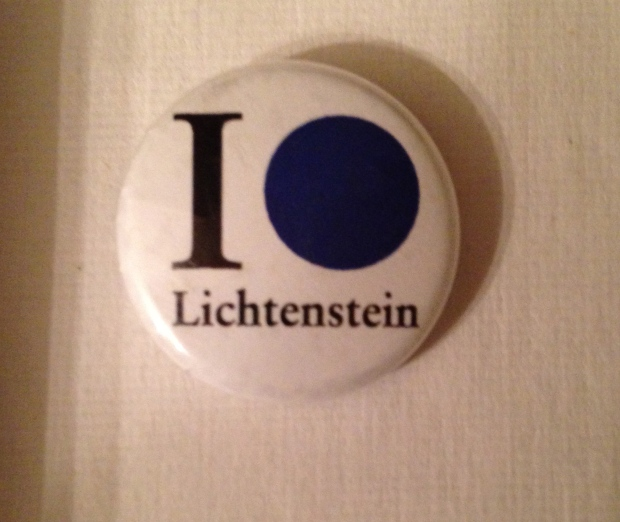 Remember  Roy Lichtenstein: A Retrospective at the Chicago Art Institute?! Well these guys did this button too! Woo!